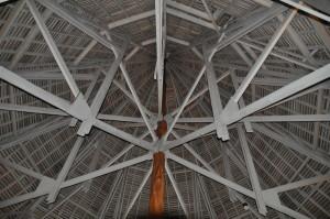 L'interno del tetto dell'atrio