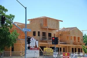 Fresno - Qui le case le costruiscono cosi