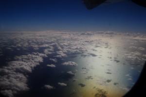 In volo verso Tikehau - Luci e riflessi sull'Oceano Pacifico