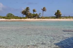 Laghetti tra le isole dell'atollo