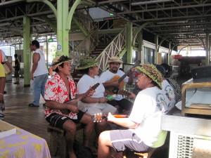 Orchestrina al mercato di Papeete