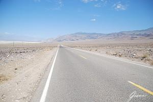 California - Strade infinite verso Death Valley