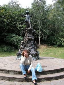 Pausa davanti alla statua di Peter Pan - Hyde Park