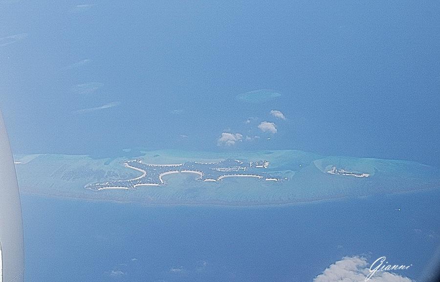 In discesa verso l'aeroporto di Malè