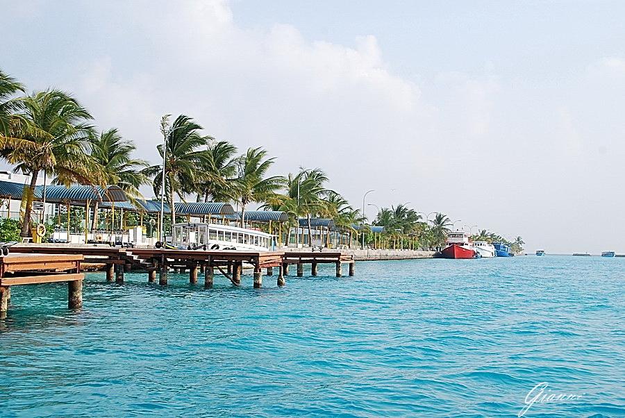 Porto di Malè - in partenza verso il resort