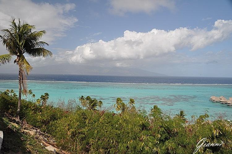 Tahiti vista da Moorea