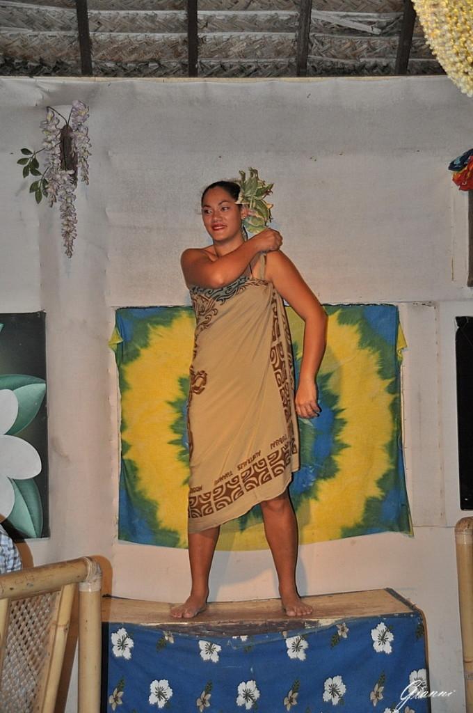 Tiki Village - Pareo Show