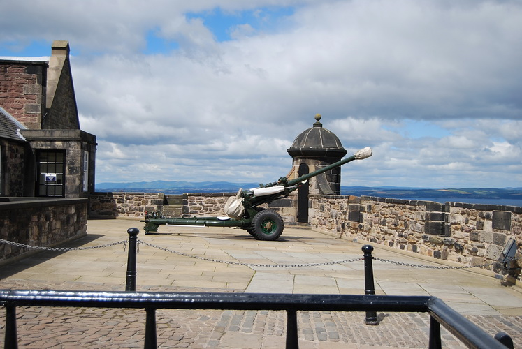 One 'o' Clock Gun