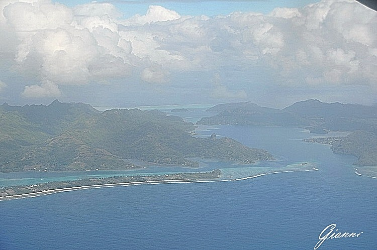 In volo - Isola di Raiatea