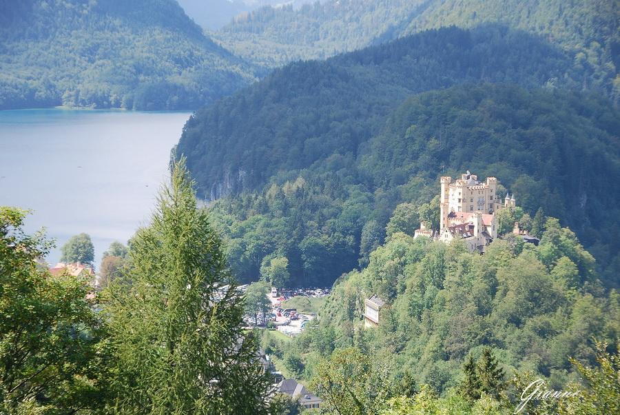 Castello di Hohenschwangau dall'altoisurina, lavaredo, fussen, Garmisch, Partenkirchen, Neuschwanstein, Hohenschwangau, castello, zugspitz, eibsee, linderhof
