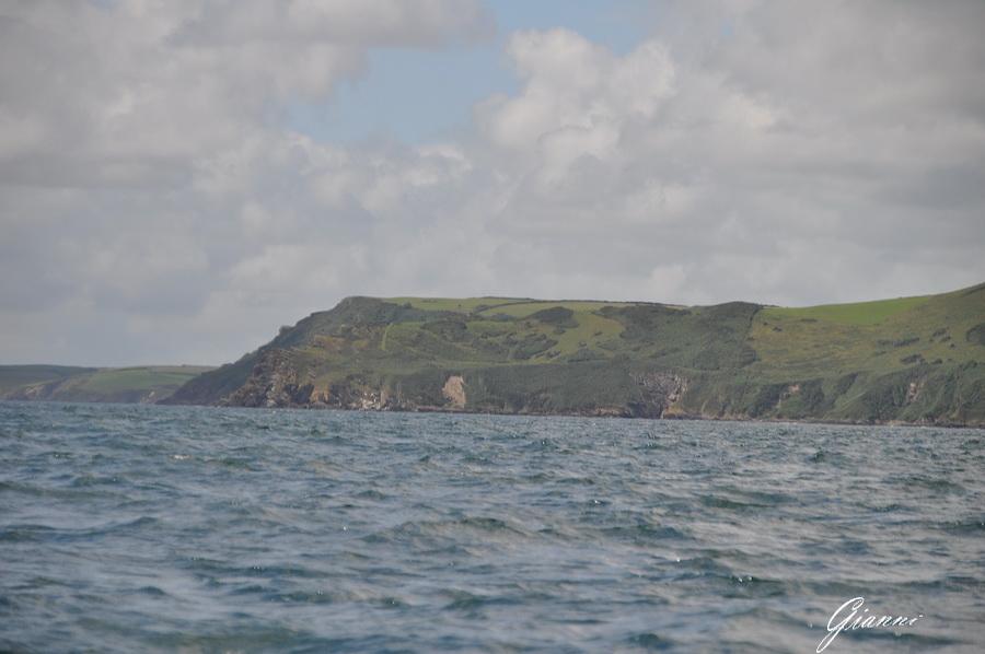 Rocce a picco sul mare
