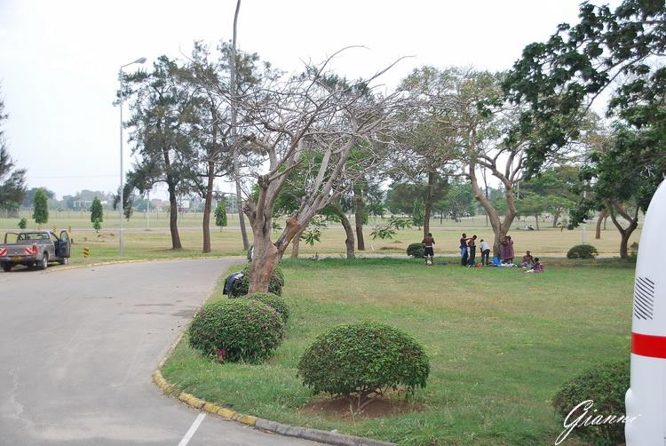 Aeroporto di Mombasa - Relax sotto gli alberi