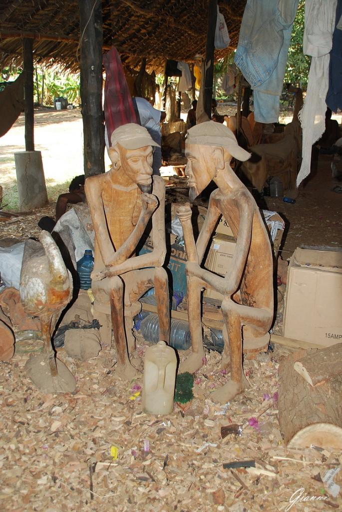 La fabbrica del legno a Malindi