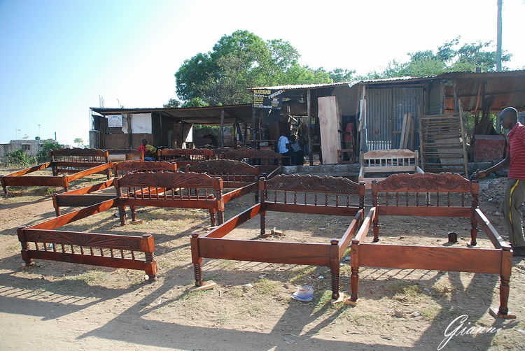 Malindi - Fabbrica di letti