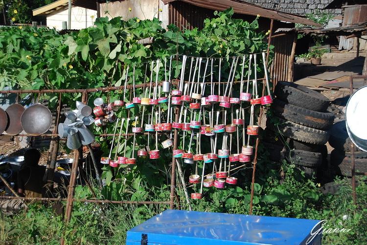 Mercato di Malindi - Mestoli di lattina