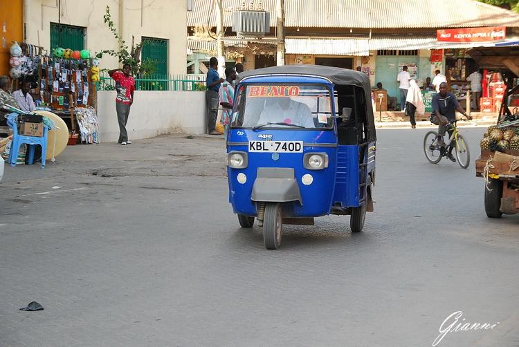 Taxi a tre ruote