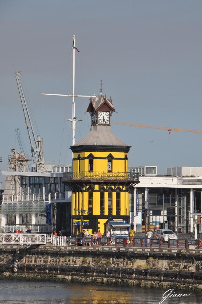 La torre dell'orologio sul Waterfront