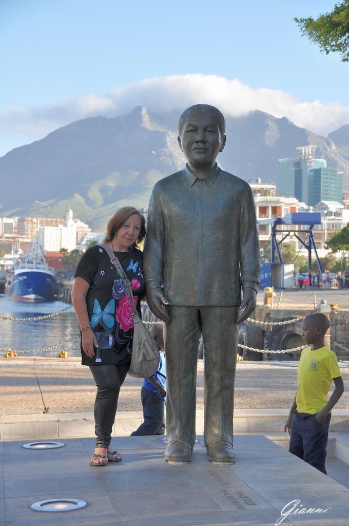 La statua di Nelson Mandela