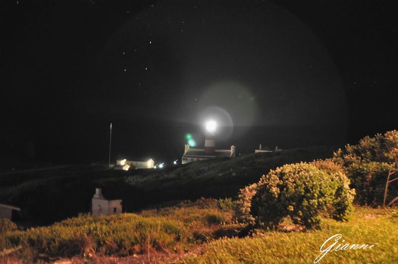 Il faro di Cape Agulhas di notte