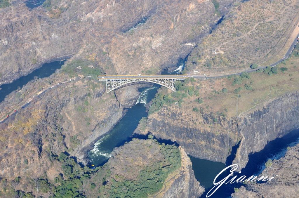 Il ponte sul fiume Zambesi
