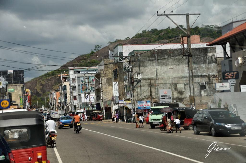 Lungo le strade di Negombo