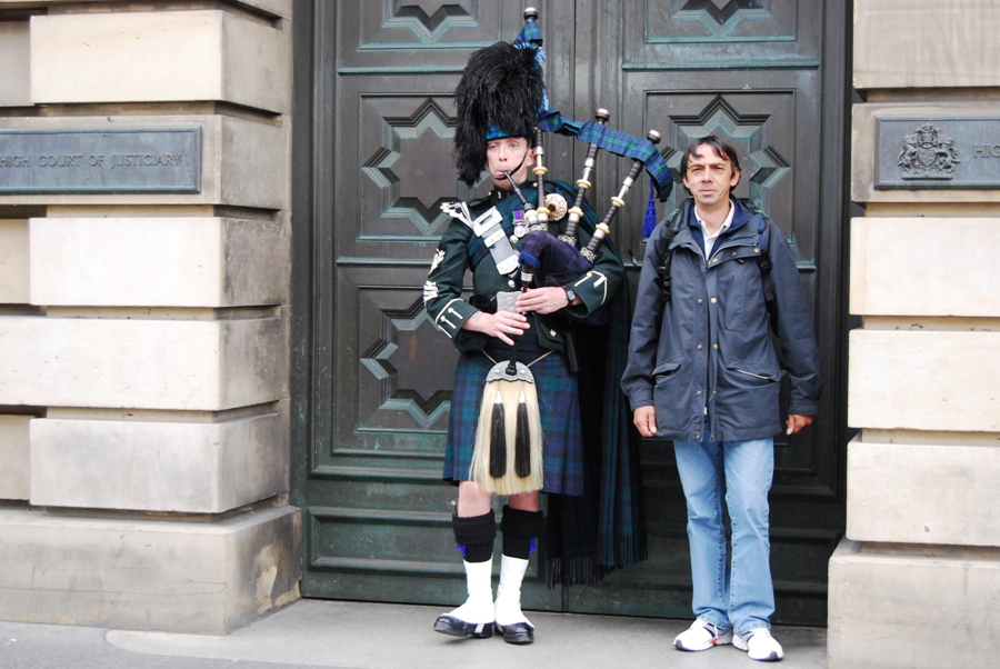 Edimburgo Piper sul Royal mile