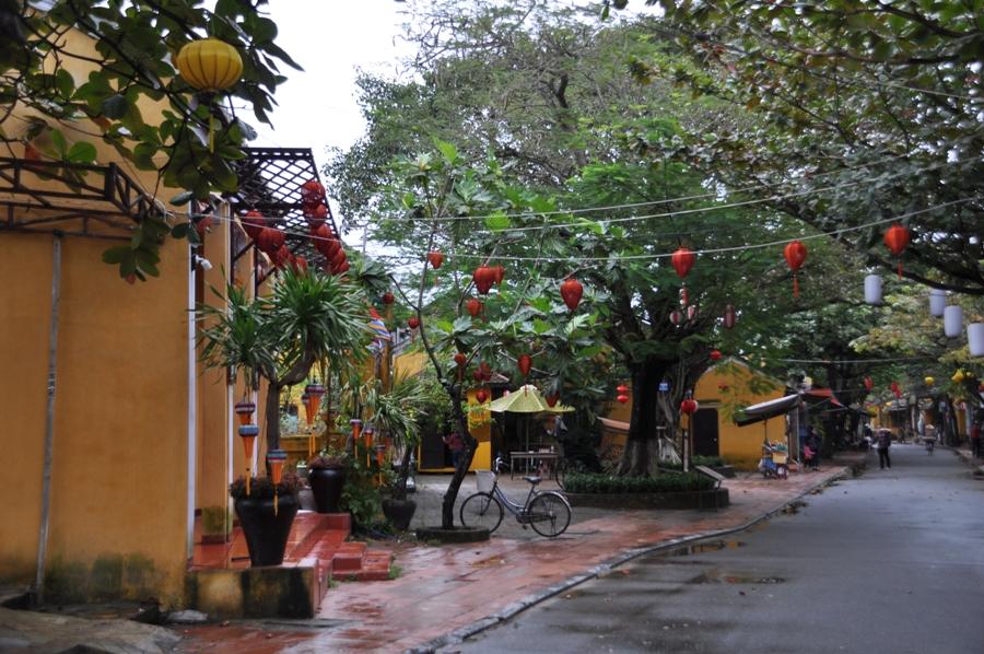 Strada nel centro di Hoi An