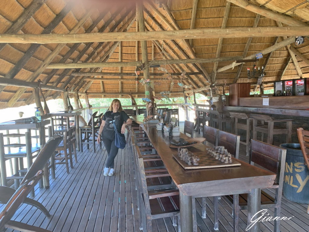 Senyati Safari Lodge