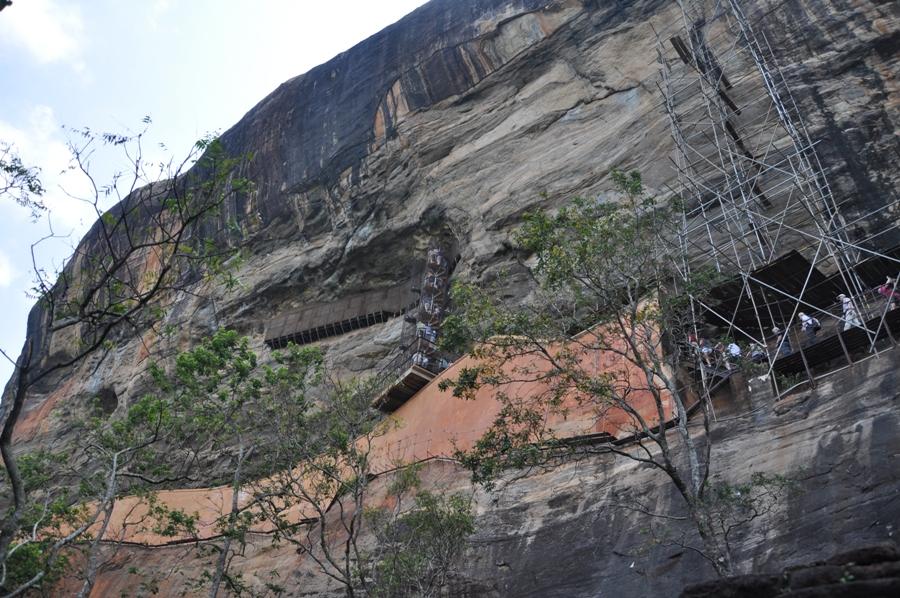 Rocca di Sigiriya dal basso