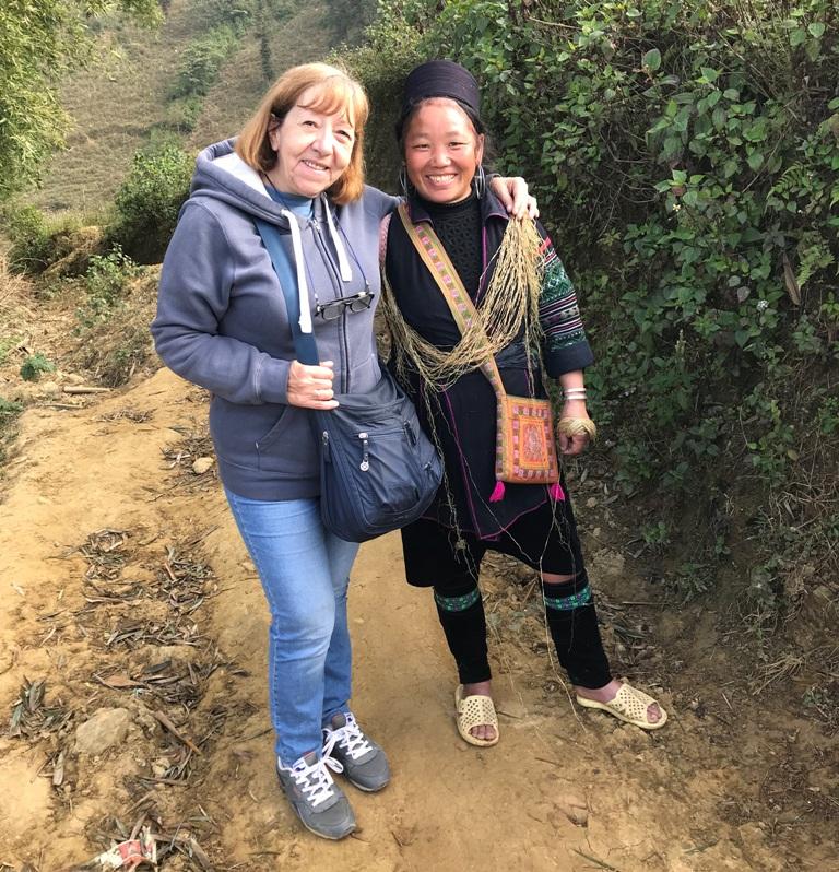Donna Hmong nera