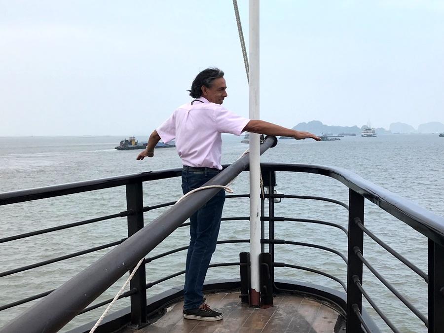 Navigando sulla Baia di Lan Ha