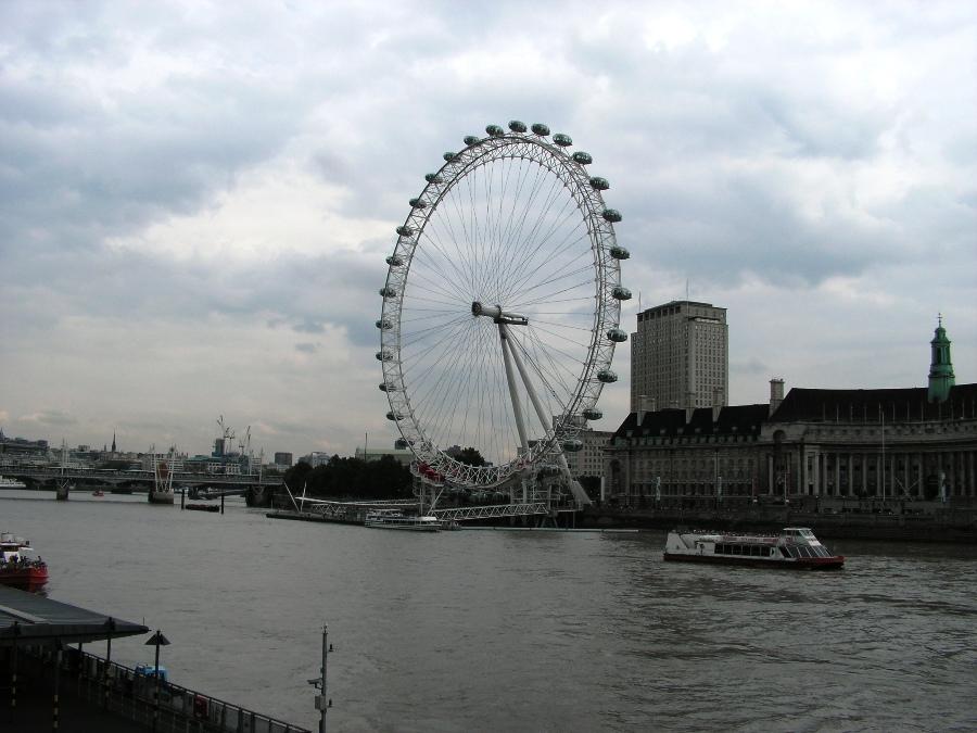 Il London Eye da lontano