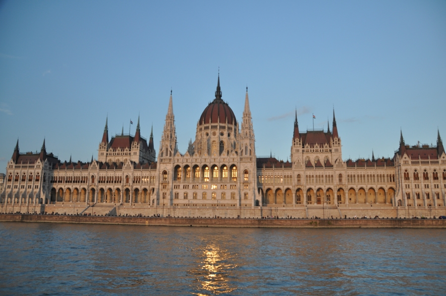 Facciata del Parlamento
