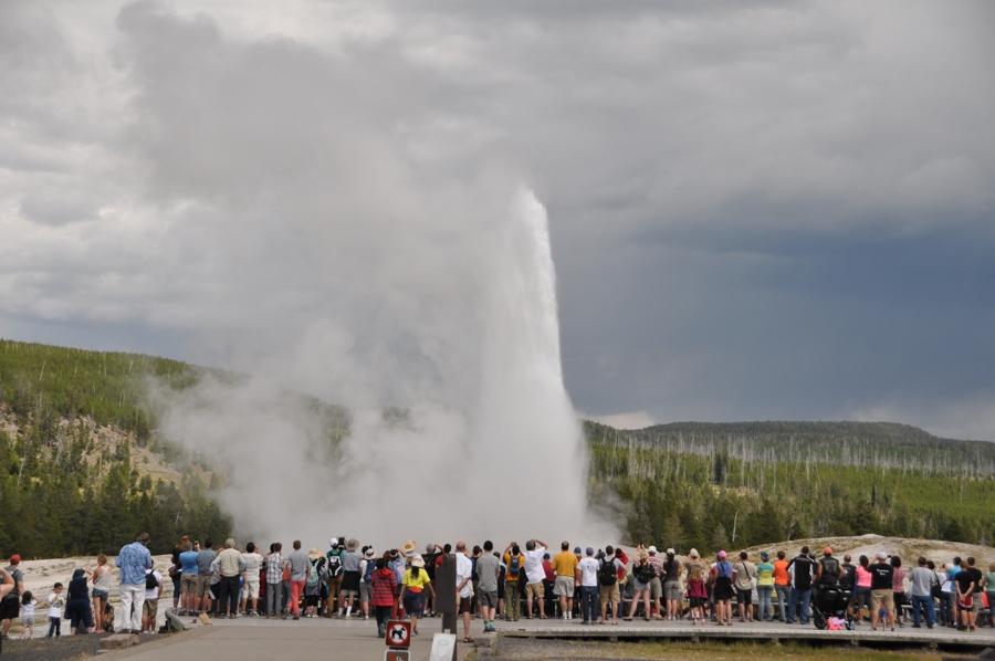 Old Faithful Geyser a Yellowstone