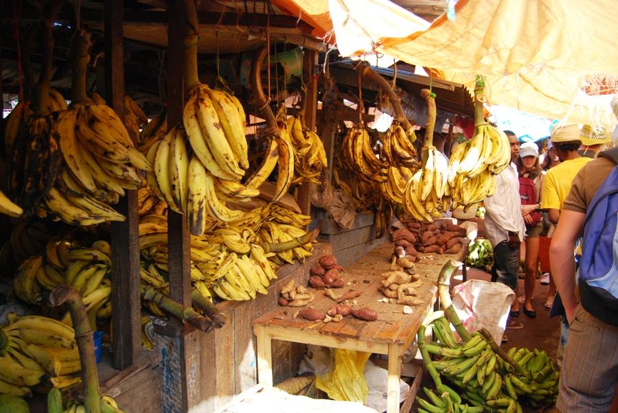 Mercato della frutta a Zanzibar