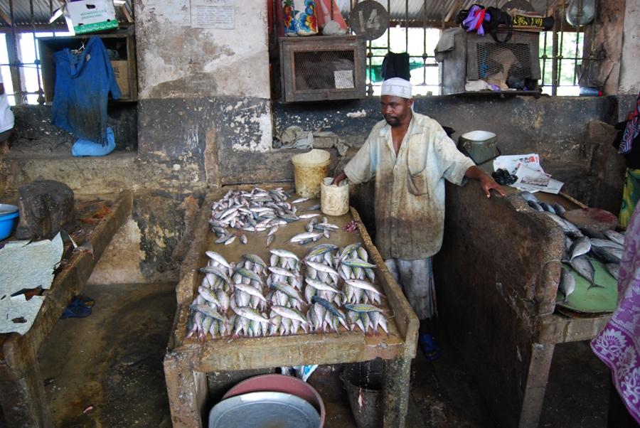 Mercato del pesce a Zanzibar