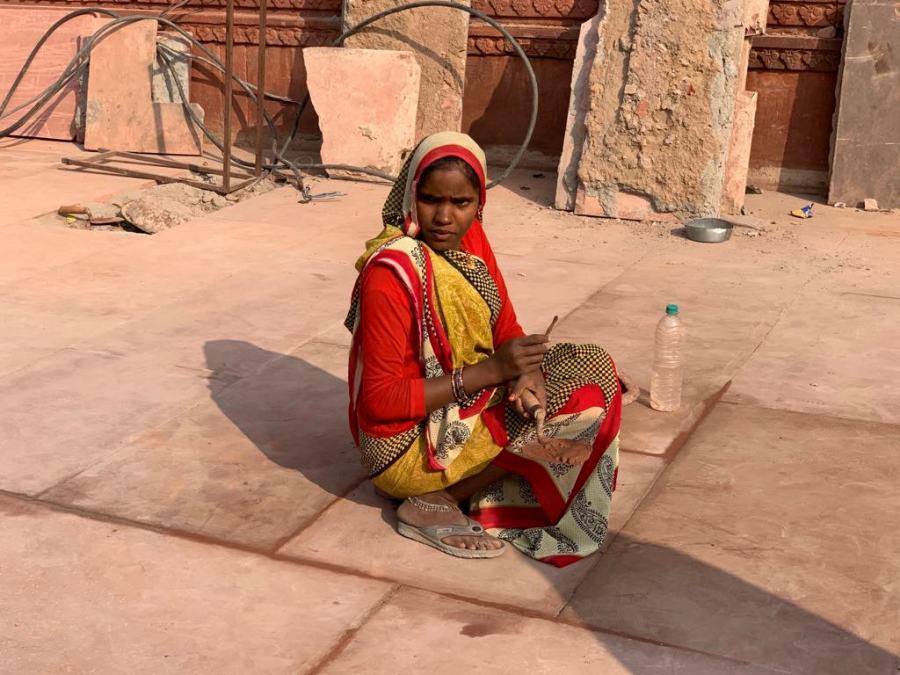 Donna ad Agra