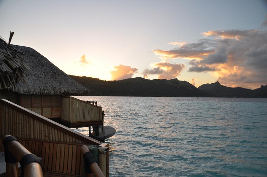 Alba a Bora Bora