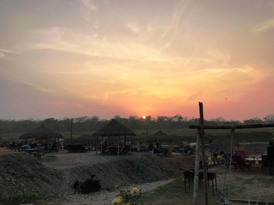 Tramonto a Chitwan