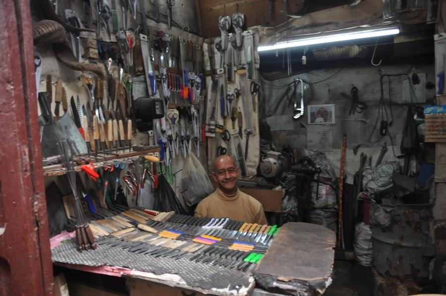Bottega di un artigiano nella Medina