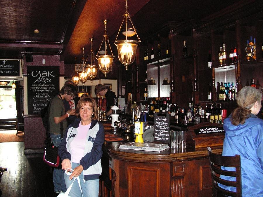 Il bancone di un pub