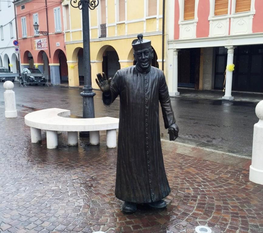 La statua di Don Camillo