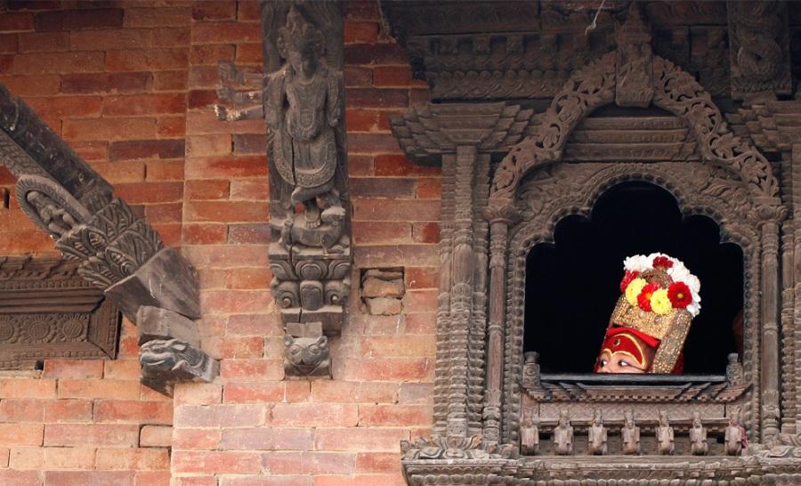 La Kumari alla finestra