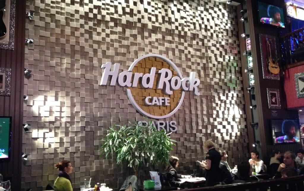 Interno dell'Hard Rock a Parigi