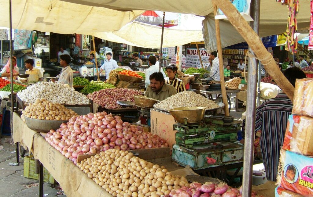 Bancarella al mercato Sardar