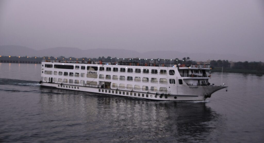Motonave sul Nilo