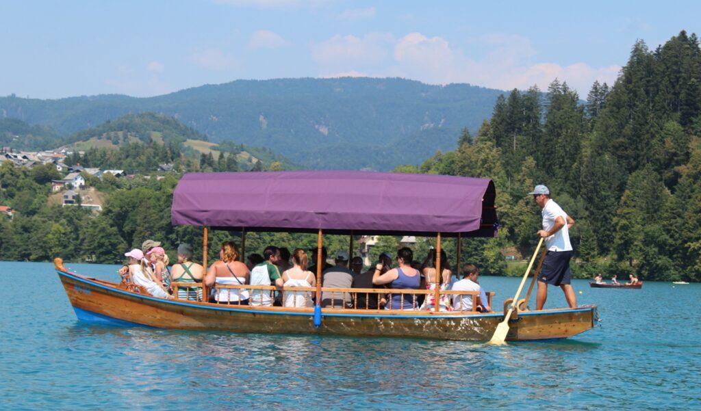"""Una """"pletna"""" sul Lago di Bled"""