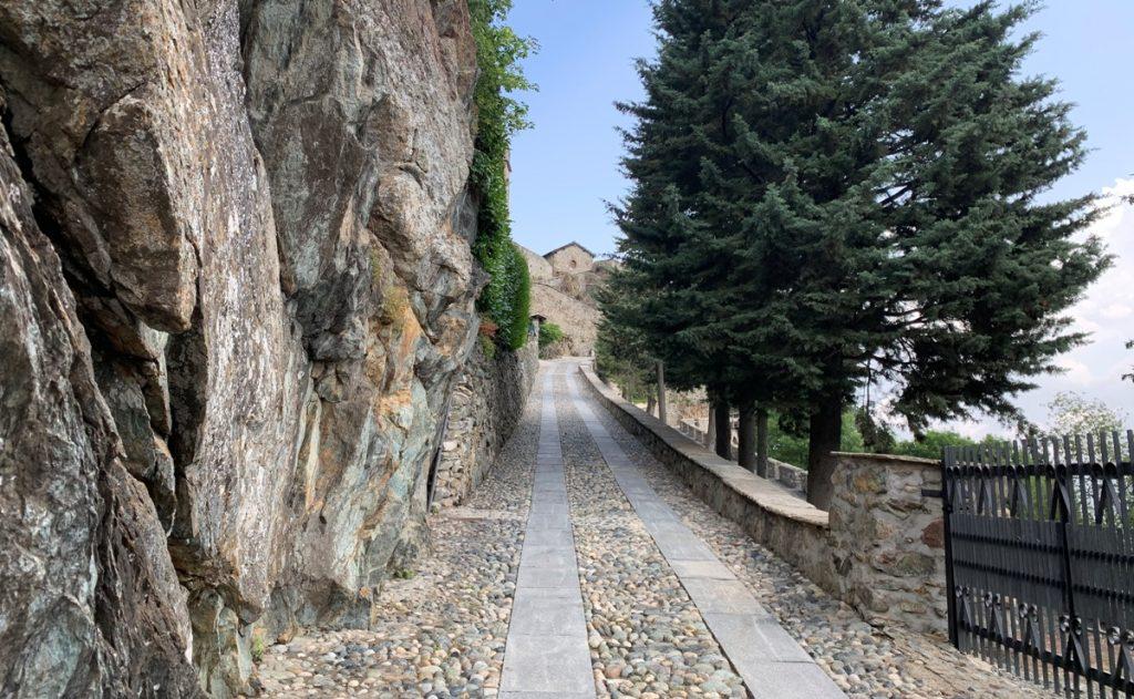 Viale d'accesso alla Sacra di San Michele